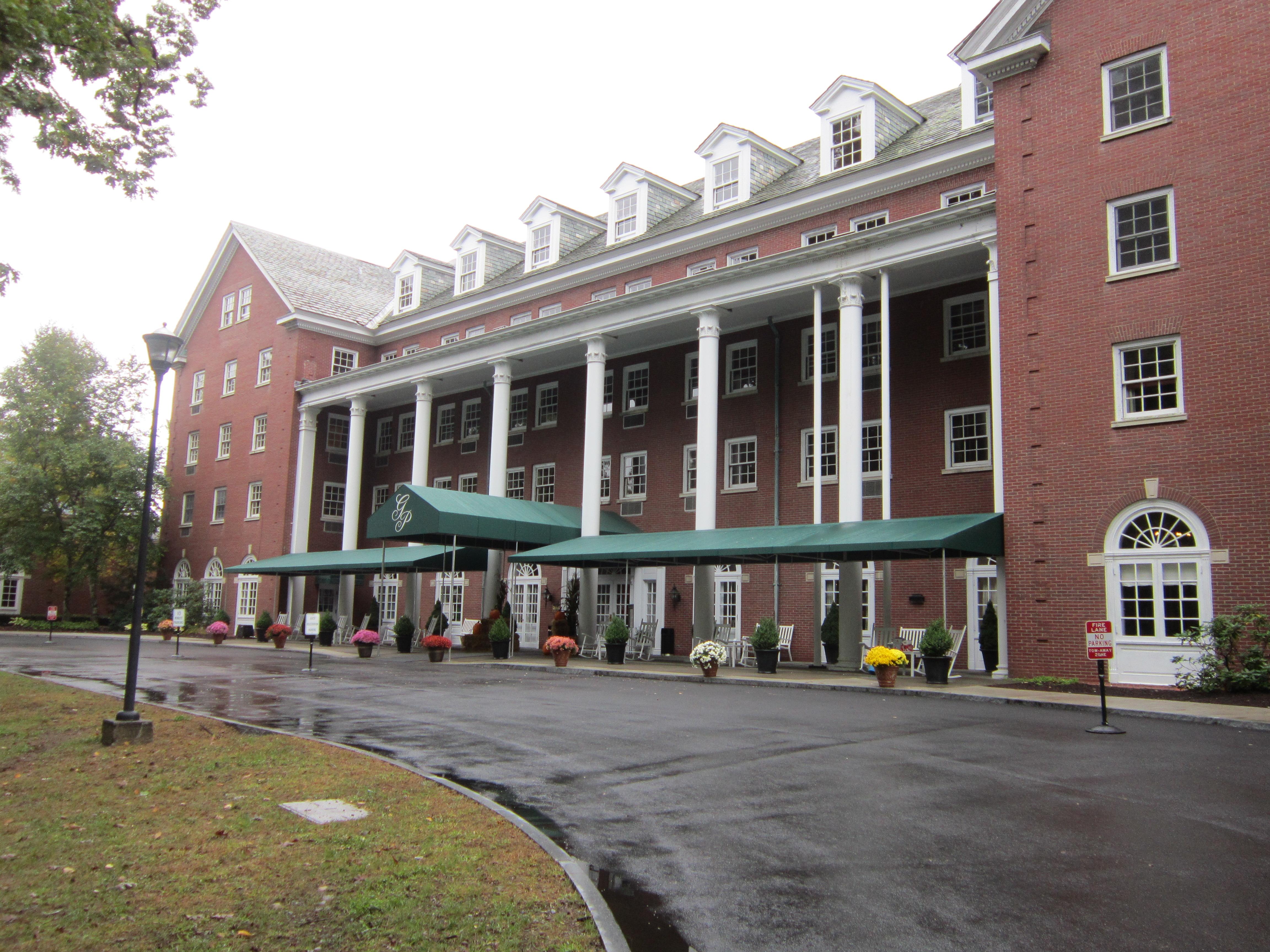 Saratoga springs ny grammy notes for Saratoga springs hotels ny